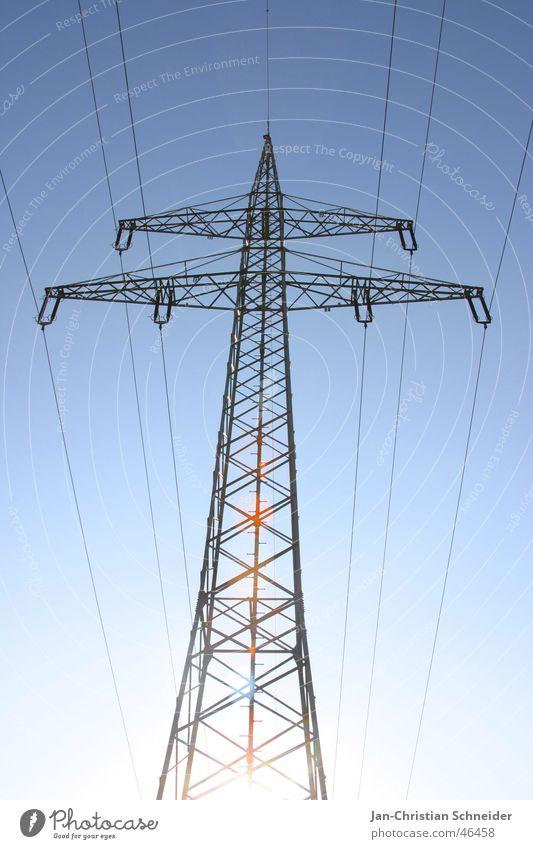 blue Strom Elektrizität Strommast Kabel Wattenmeer Energiewirtschaft Metall Leitung powerline Himmel Sonne