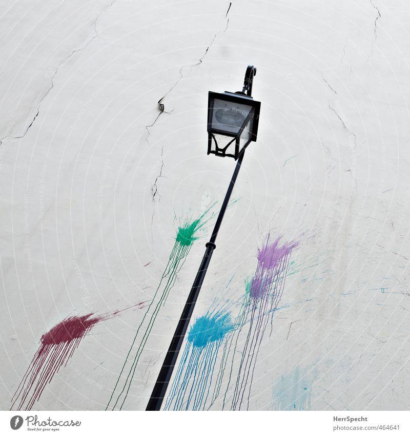 Farbverlauf alt Stadt Farbe Haus Graffiti Wand Mauer Gebäude Fassade Bauwerk Straßenbeleuchtung Flüssigkeit Paris Riss Altstadt Farbenspiel
