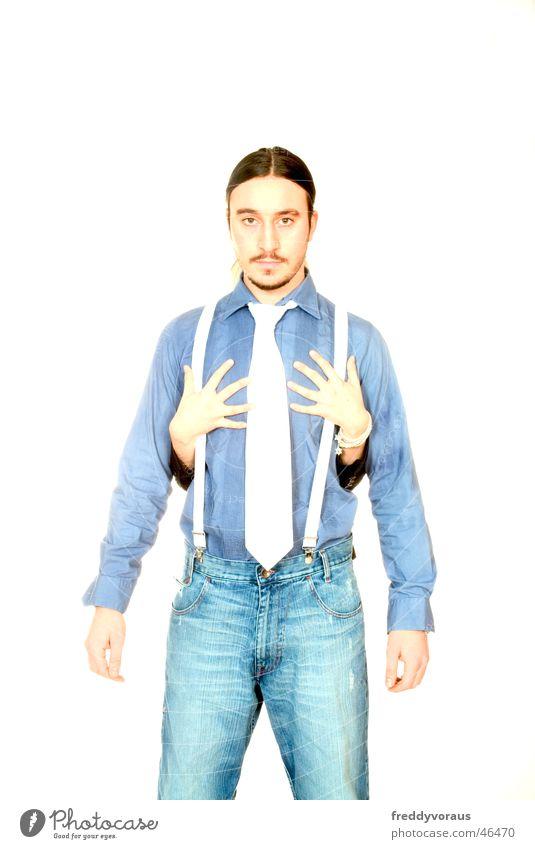 n&c Frau Mann Hand weiß Liebe Model Hemd Krawatte Umarmen Hosenträger