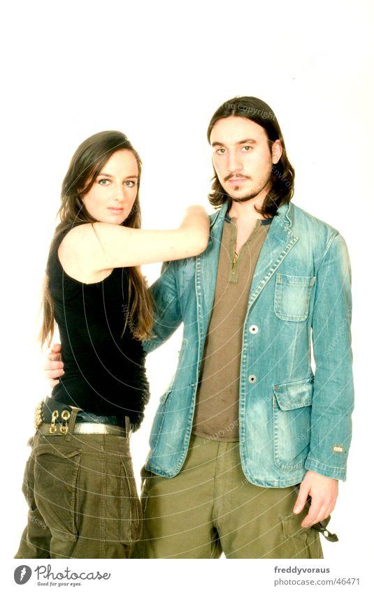 r&c2 Frau Mann Liebe Model Jacke Hemd langhaarig Umarmen Gürtel Zuneigung