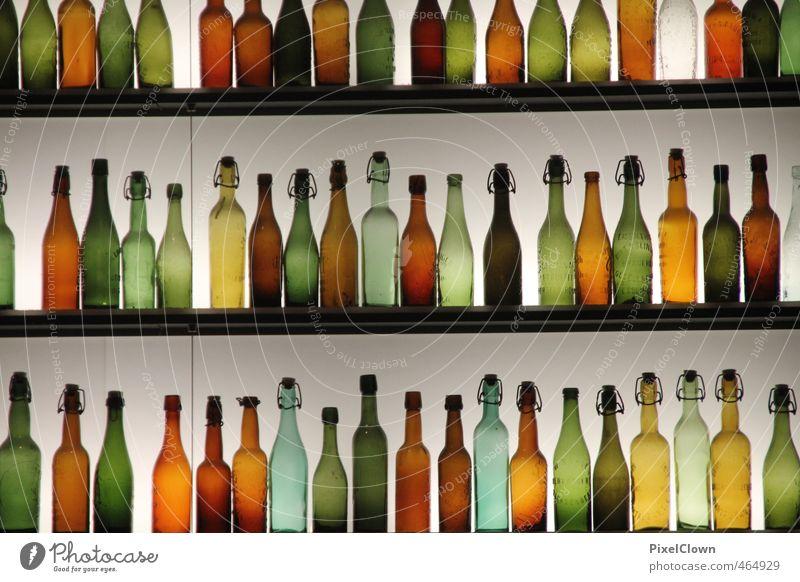 Zu viele Flaschen Ernährung Festessen Geschäftsessen Getränk Alkohol Spirituosen Lifestyle Reichtum Küche Nachtleben Restaurant Club Disco Bar Cocktailbar