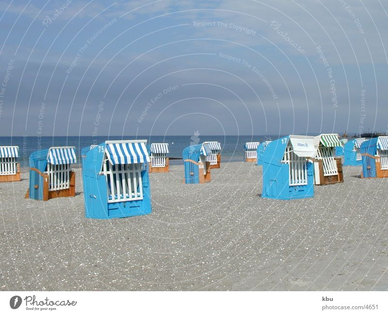 blauer Strand Strandkorb Ferien & Urlaub & Reisen Meer keine Sonne