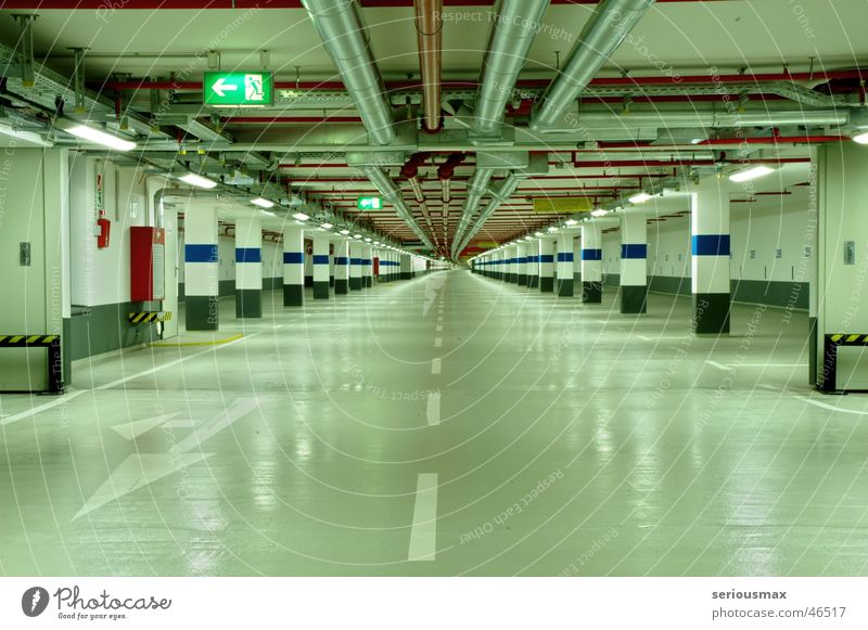 carpark Garage Tiefgarage tief grün Köln Deutschland Rheinauhafen Nordrhein-Westfalen