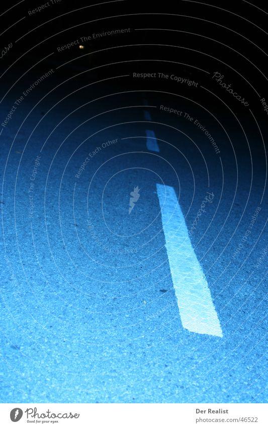 endless weiß blau Straße dunkel Streifen Grenze Teer