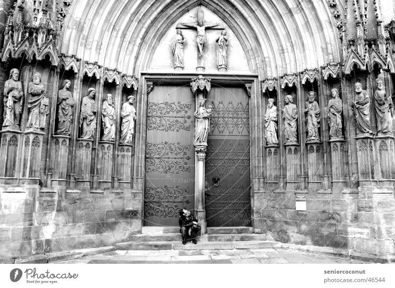 Erlösung Erfurt Obdachlose Religion & Glaube Dom heilig Tür Armut Stein