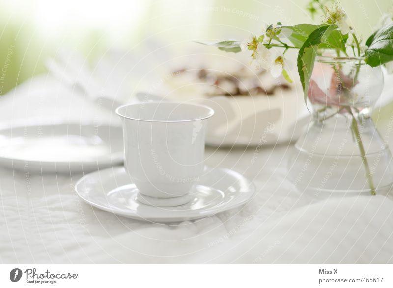 Sonntagstisch weiß Feste & Feiern Lebensmittel Geburtstag Getränk Ernährung Hochzeit Pause rein zart Blumenstrauß Café Geschirr Frühstück Kuchen Tasse