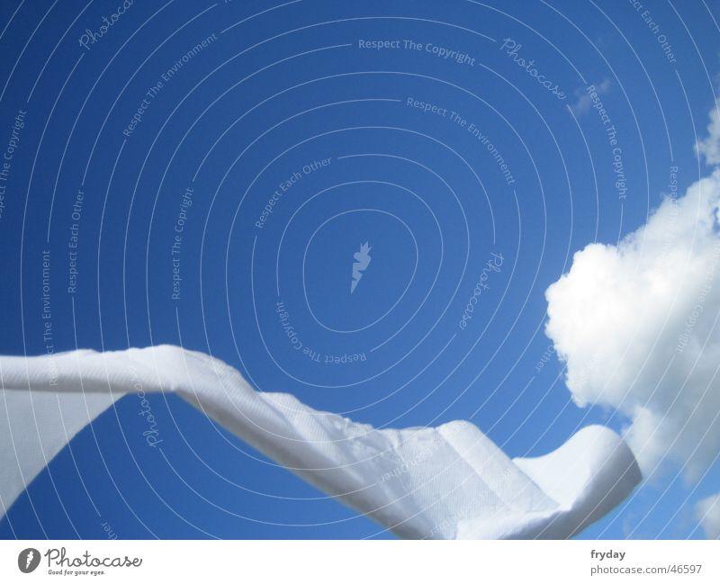 Schlängel I Wolken weiß Himmel Tuch blau Wind Bewegung Dynamik