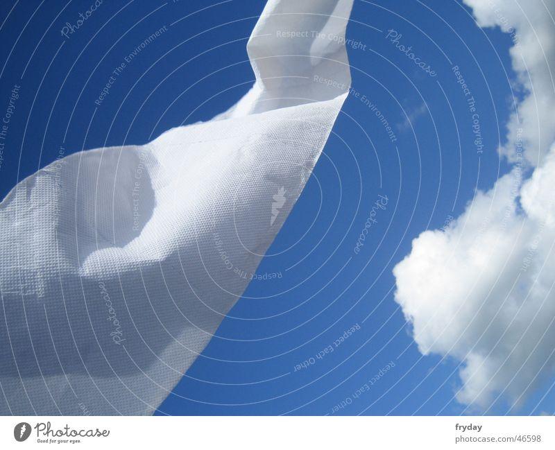 Schlängel II Himmel weiß blau Wolken Bewegung Wind Dynamik Tuch