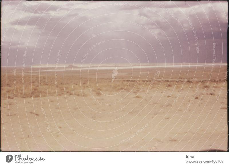 auf dem Mond | in Kasachstan Ferien & Urlaub & Reisen Einsamkeit ruhig Landschaft Wolken Ferne Wärme Tod Sand Horizont braun Klima trist Sträucher Urelemente
