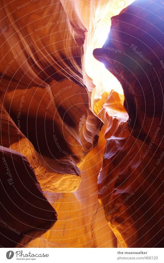 BEAM Erde Sand Antelope Canyon USA Arizona Menschenleer außergewöhnlich dunkel weich braun gelb gold orange Warmherzigkeit Abenteuer bizarr Umwelt Beam Farbfoto