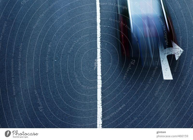 Straßenverkehr Verkehr Verkehrsmittel Verkehrswege Personenverkehr Autofahren Straßenkreuzung Verkehrszeichen Verkehrsschild Fahrzeug PKW einfach