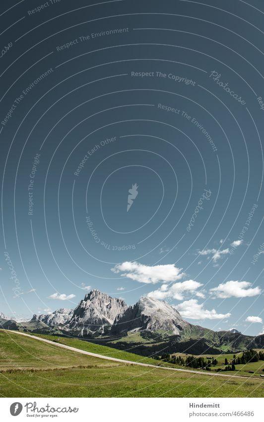 Tatsächlich Kulturlandschaft [portrait] Himmel Wolken Schönes Wetter Gras Wiese Wald Hügel Felsen Alpen Berge u. Gebirge Gipfel Dolomiten Seiser Alm