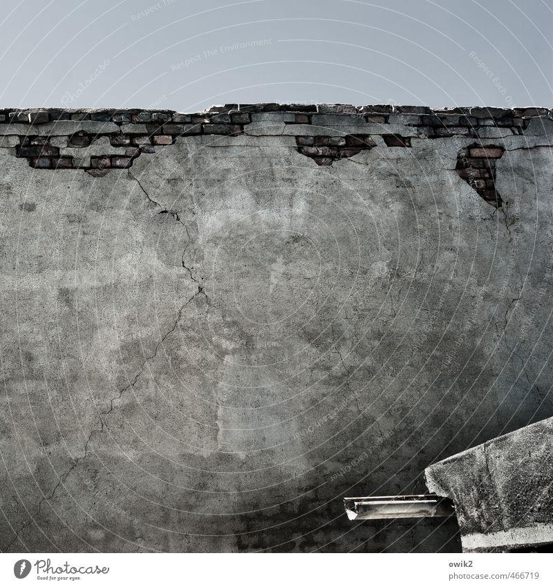 Mauerreste Wolkenloser Himmel Schönes Wetter Wand Fassade Dachrinne Stein fest hoch Verfall Vergänglichkeit verlieren Wandel & Veränderung Zerstörung Backstein