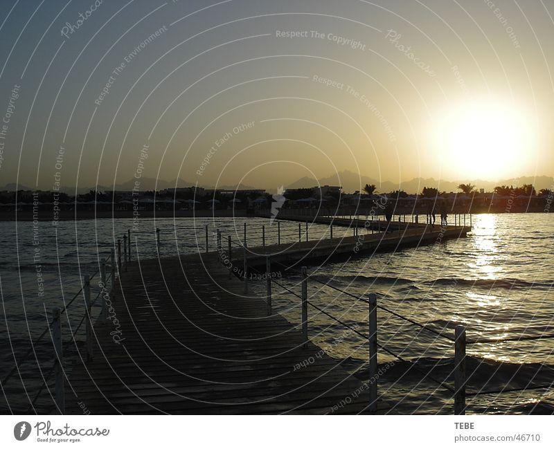 Sonnenuntergang in Ägypten Wasser Meer Ferien & Urlaub & Reisen Steg