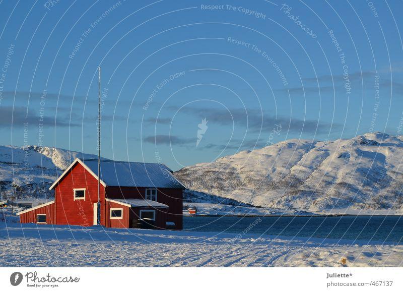 Winter in Norway Natur Landschaft Erde Luft Wasser Himmel nur Himmel Wetter Schönes Wetter Eis Frost Schnee Hügel Schneebedeckte Gipfel See blau rot weiß