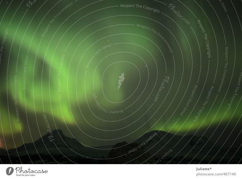 Tanzendes Nordlicht Himmel Natur schön grün Landschaft schwarz Winter außergewöhnlich Felsen Wind Politische Bewegungen Hügel Nachthimmel faszinierend