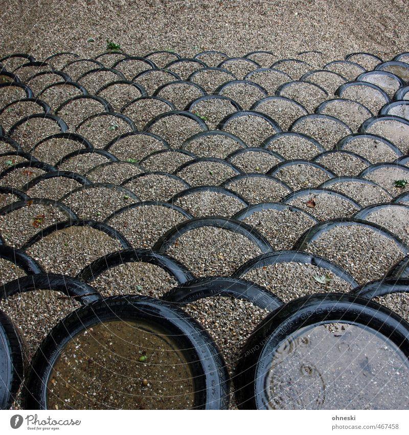 Brücken bau´n. Herbst Sand Regen Netzwerk Zusammenhalt Reifen Bogen schlechtes Wetter