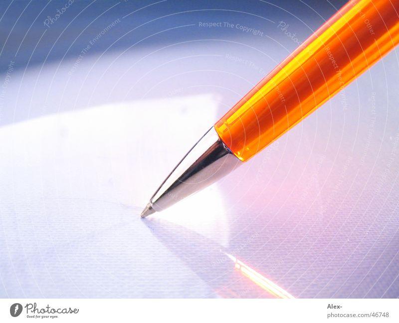 Kugelschreiber Blatt Business orange streichen schreiben Gesichtsausdruck Material Schreibstift Unterschrift