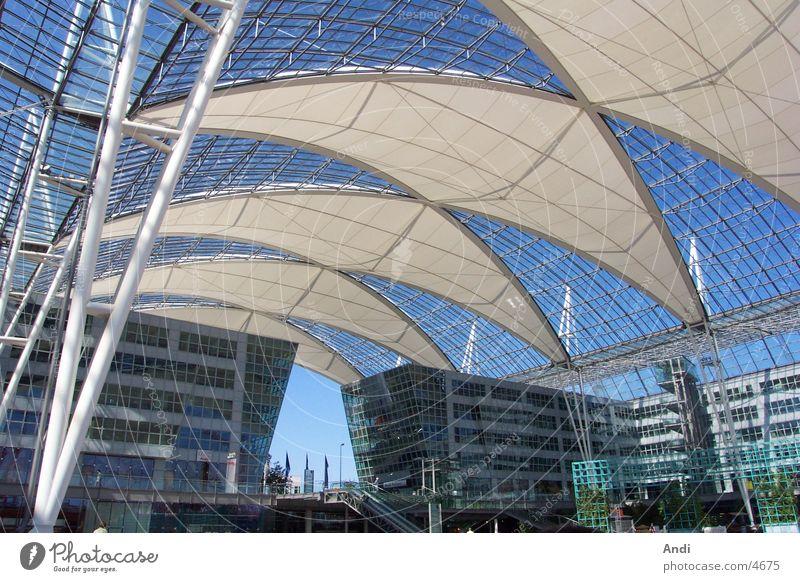 Sonnendeck Sommer Architektur Dach München Flughafen