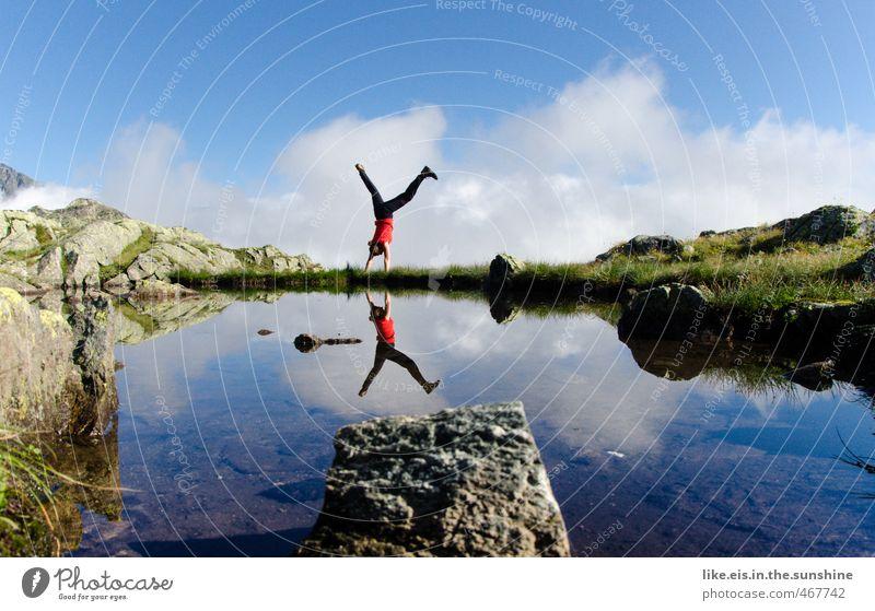 schwarz-rot steht kopf! Frau Natur Jugendliche Ferien & Urlaub & Reisen Sommer Junge Frau Landschaft Freude Erwachsene Berge u. Gebirge Leben feminin Sport