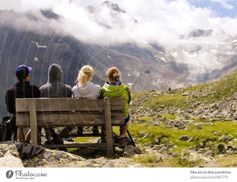 zusammen ist man weniger allein Mensch Jugendliche Sommer Junge Frau Landschaft Junger Mann Berge u. Gebirge Leben feminin Sport Gras Freiheit Felsen