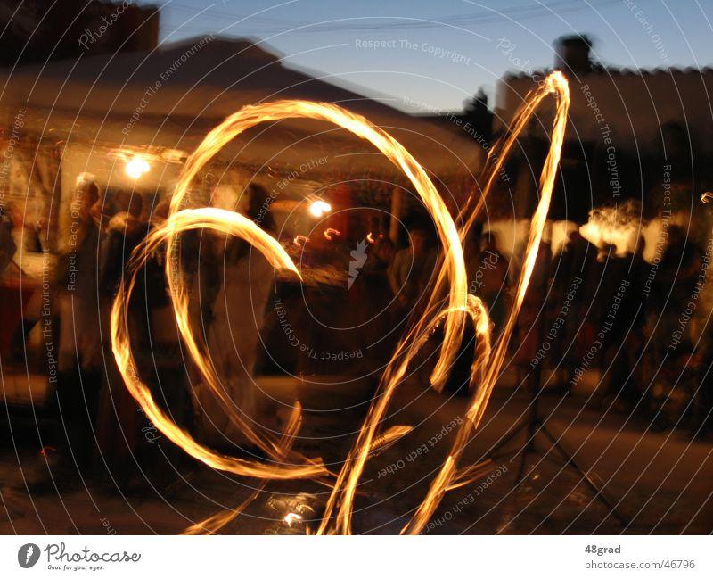 Feuerspiel Brand Show Veranstaltung Abenddämmerung Urlaubsstimmung Stimmung Feuershow