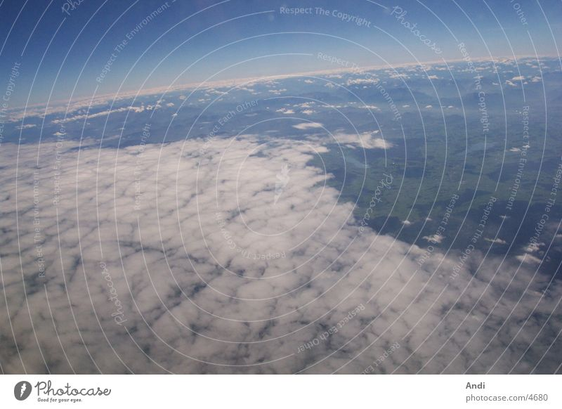 Über den Wolken Luftaufnahme Flugzeug Ferien & Urlaub & Reisen Himmel Luftverkehr
