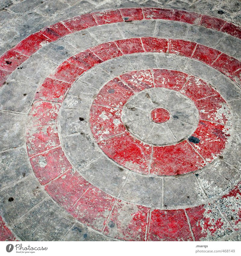 Treffpunkt alt rot grau Stein Linie Perspektive Kreis Streifen Ziel Kopfsteinpflaster Mittelpunkt Treffpunkt