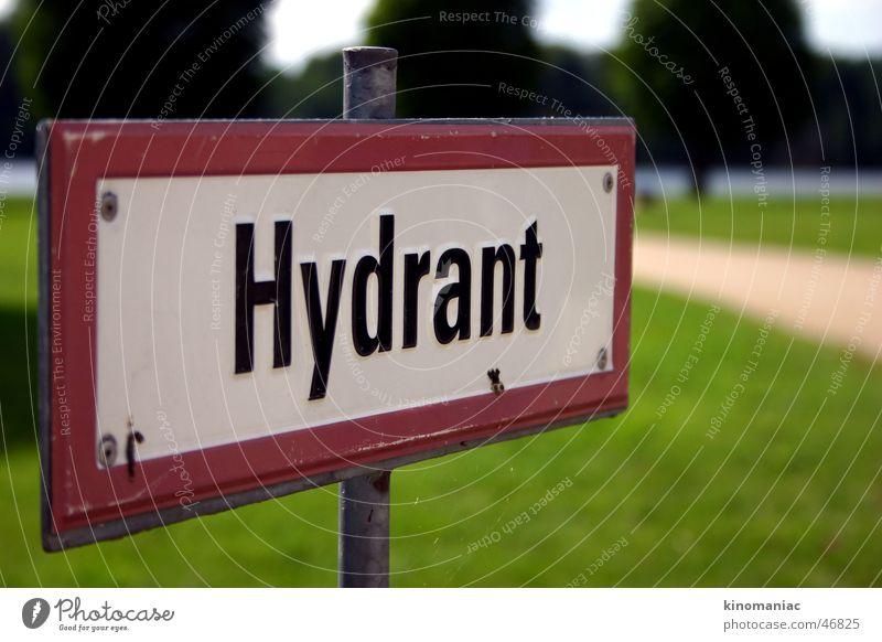 Wasser! Hydrant Unschärfe Zeichen Schilder & Markierungen Warnhinweis sign water sonnentag