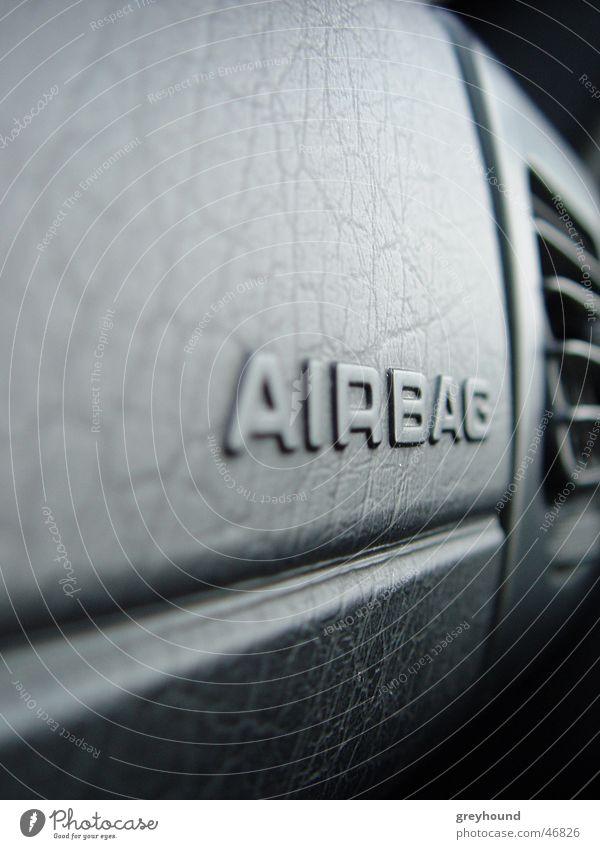 Lebensretter PKW Schutz Armaturenbrett Airbag Armatur