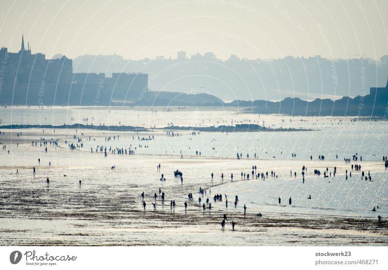 Nachmittags am Meer Freude Ferien & Urlaub & Reisen Sommer Sommerurlaub Strand Insel Wassersport Schwimmen & Baden Mensch Menschenmenge Erholung heiß nass blau