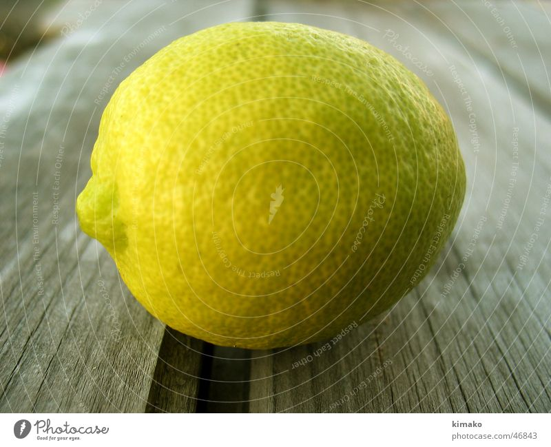 Zitrone Holzmehl sehr wenige grün fruit lemon Mexiko kimako acid Frucht säure.