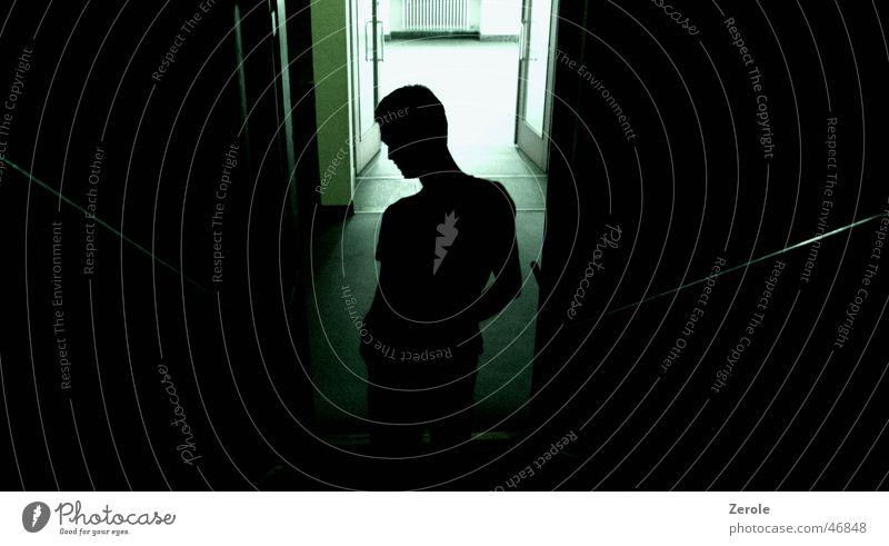 Spygroove grün schwarz dunkel Treppe geheimnisvoll gruselig Nachtaufnahme