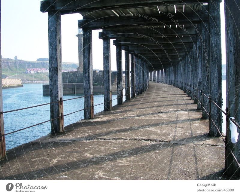 pier Meer Holz Steg Whitby England morsch leer Angeln Anlegestelle Holzmehl Wege & Pfade Rost sea timber way Gang