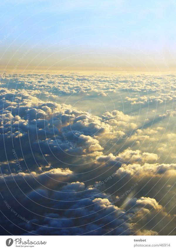 himmel von oben Himmel Wolken Sonne Beleuchtung Kraft Flugzeug sky clouds sun sunshine Lichterscheinung schöne aussicht Luftverkehr flight Freiheit freedom