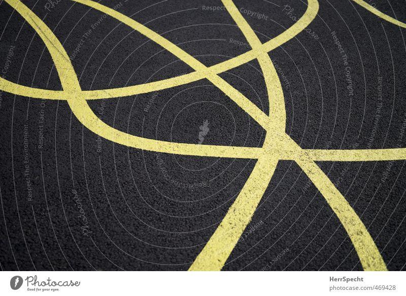 Linien on dope Schilder & Markierungen verrückt gelb grau Bodenmarkierung durcheinander Schlangenlinie Farbfoto Außenaufnahme Textfreiraum links