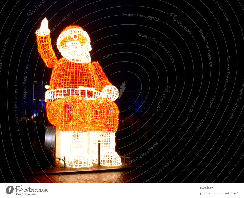 it's christmas again Weihnachten & Advent rot Winter dunkel kalt Berlin Eis hell Stimmung frisch Weihnachtsmann Skulptur grell