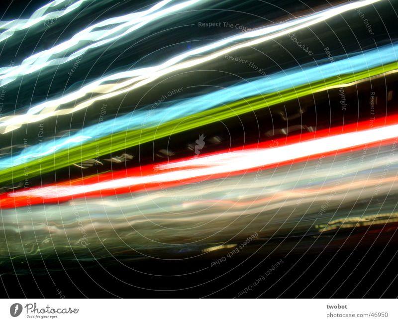 langzeitbeleuchtung Langzeitbelichtung weiß grün blau rot schwarz dunkel Bewegung hell Aktion Werbung Licht Neonlicht durcheinander Verzerrung Lichtstreifen
