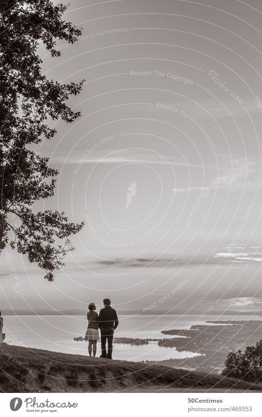 Zweisamkeit Mensch Frau Mann Ferien & Urlaub & Reisen Baum ruhig Landschaft Ferne Erwachsene Leben Freiheit See träumen Stimmung Zufriedenheit stehen