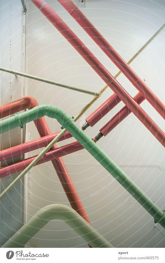Klempnermikado Stadt Wand Mauer Häusliches Leben planen einzigartig Kreativität Kultur Stahl skurril Eisenrohr bauen Leitung Verbundenheit Anschluss Installationen