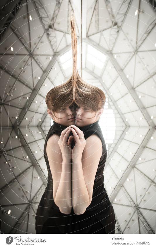 Klon schön Mensch feminin Frau Erwachsene 2 18-30 Jahre Jugendliche Kunst Architektur Haare & Frisuren blond langhaarig liegen träumen Müdigkeit Einsamkeit