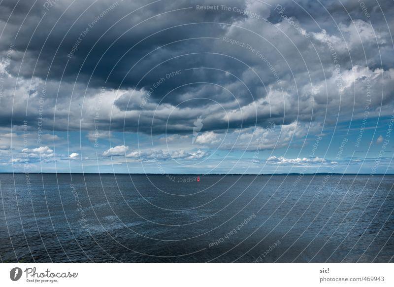 Sturmwarnung Himmel Natur Ferien & Urlaub & Reisen blau Wasser weiß Sommer Meer Einsamkeit Wolken Ferne dunkel Küste grau Horizont Wetter