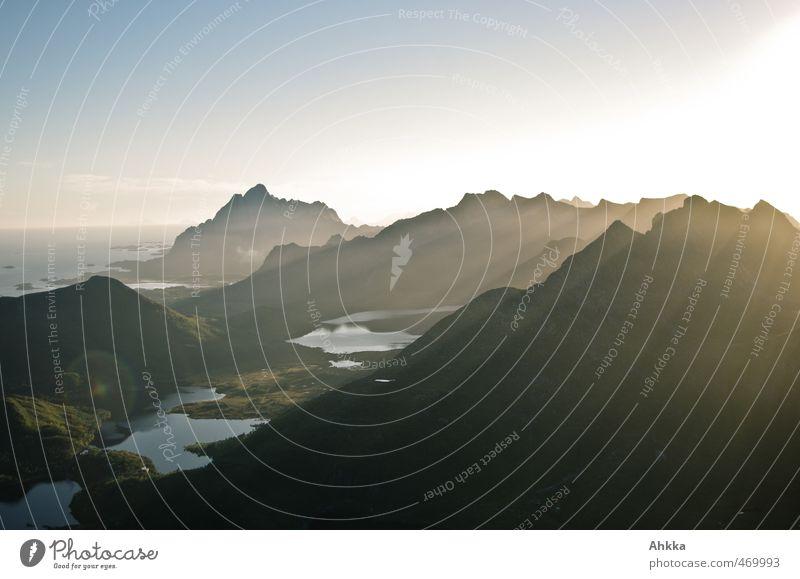 Lofoten IV Natur Ferien & Urlaub & Reisen Meer Einsamkeit Landschaft Ferne Berge u. Gebirge Freiheit See Stimmung Zufriedenheit Kraft authentisch ästhetisch
