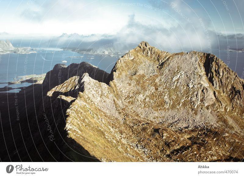 Lofoten III Natur Ferien & Urlaub & Reisen Landschaft Ferne Berge u. Gebirge Küste Freiheit Stimmung Kraft authentisch frei Tourismus wandern Ausflug Abenteuer