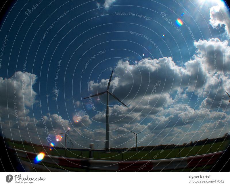 Windpark Fischauge blenden Wolken Windkraftanlage Himmel wisse Dynamik blau