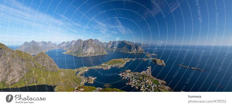 reinebriggen Natur Landschaft Wasser Himmel Sommer Schönes Wetter Felsen Küste Strand Fjord Meer Polarmeer Insel Lofoten See Reine Vestvagoy Norwegen