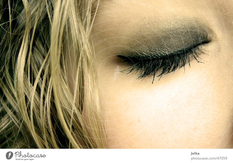 joa ne... Haare & Frisuren Haut Gesicht Schminke Wimperntusche Auge blond Locken schlafen ästhetisch schön Lidschatten Teint Wange eye eyes lash lashes eylash