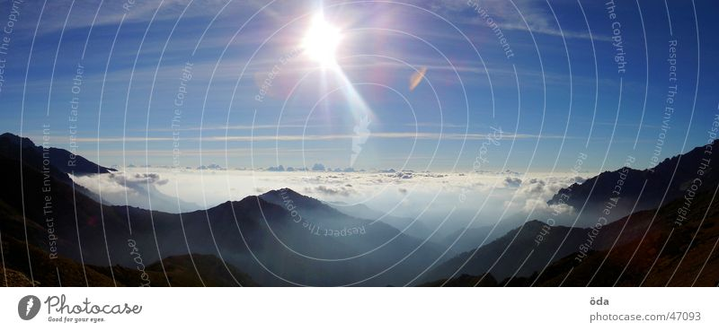korsische Aussicht #2 Sonne Wolken Berge u. Gebirge Nebel groß Horizont Panorama (Bildformat) Korsika