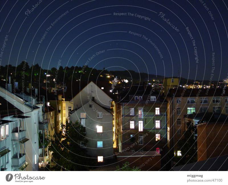 Stuttgart West Stadt Nacht Nachtaufnahme Langzeitbelichtung Haus Fassade Balkon dunkel Dach Westen Himmel Stern