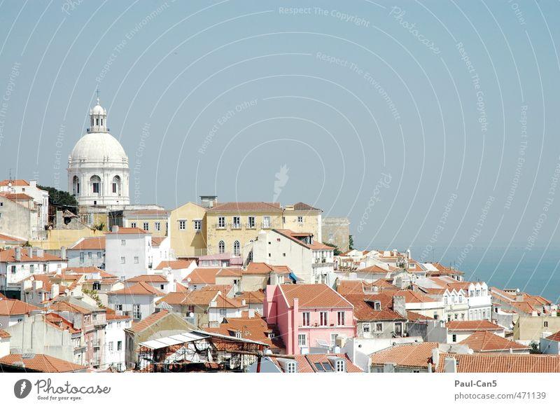 """sommertraum Ferien & Urlaub & Reisen Tourismus Städtereise Sommerurlaub Sonne """"Portugal Lissabon"""" Wohnung Haus Architektur Wolkenloser Himmel Altstadt Kirche"""